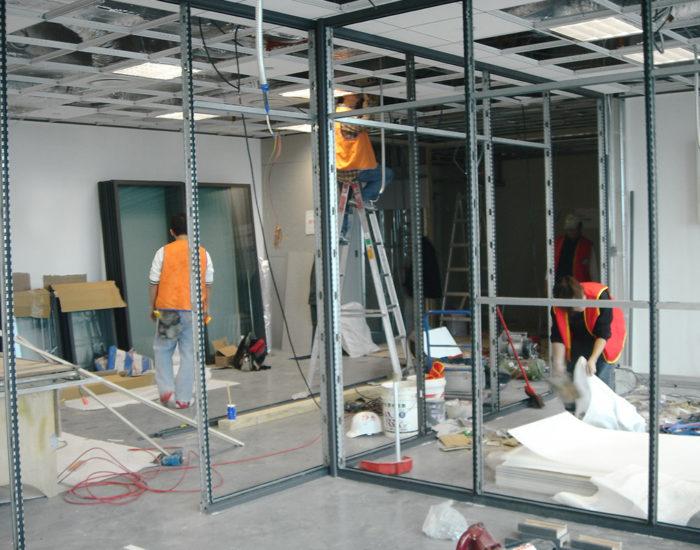 struttura in alluminio per pareti divisorie P10